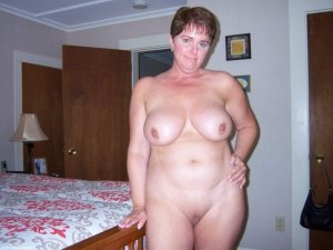 Madge chubby independent escort Summit, IL