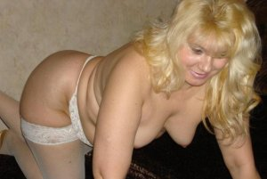 Anne-maud indian incall escort Golden Valley, MN