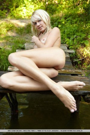 Marilis hairy escorts Plant City